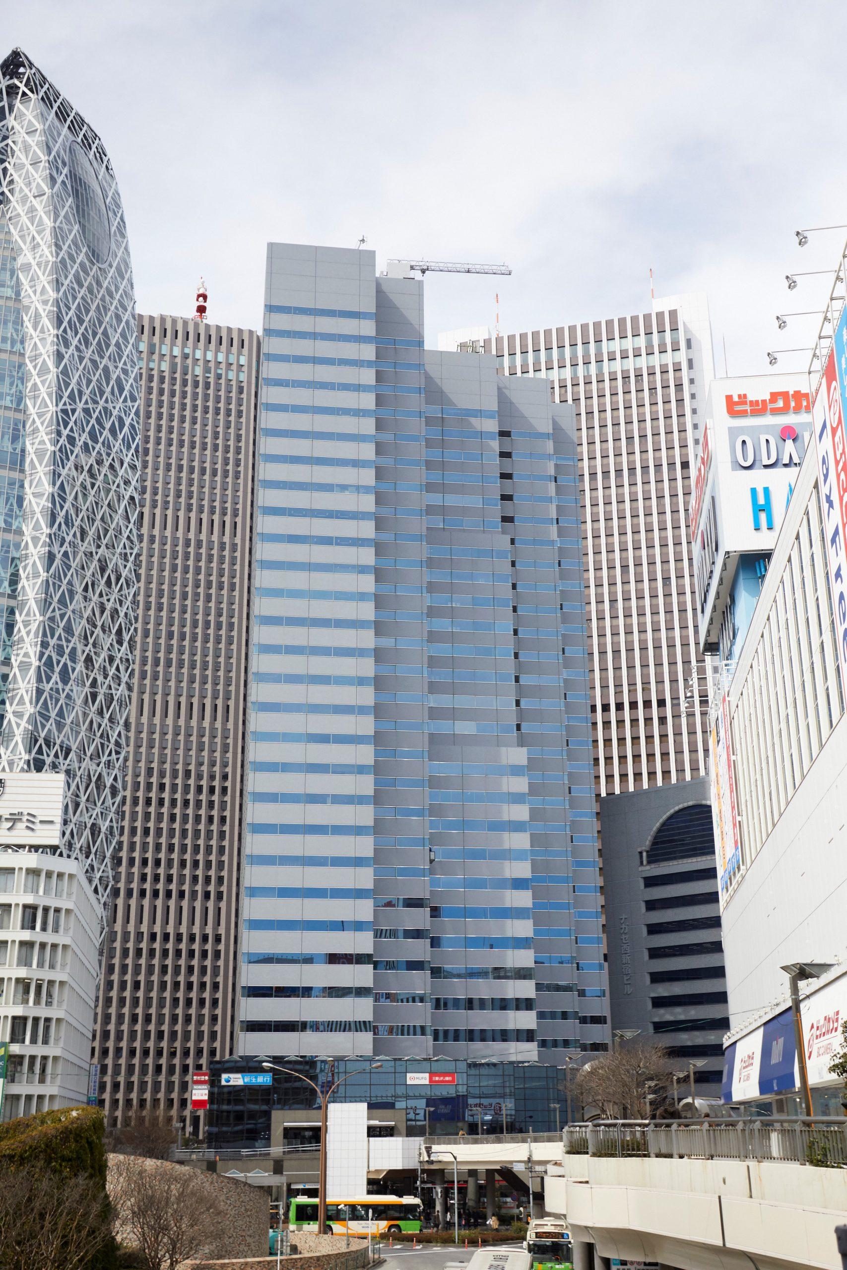 ZXY 新宿西口2
